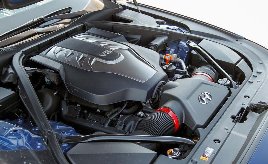 2015 Hyundai Genesis 5.0 sedan - Slide 30