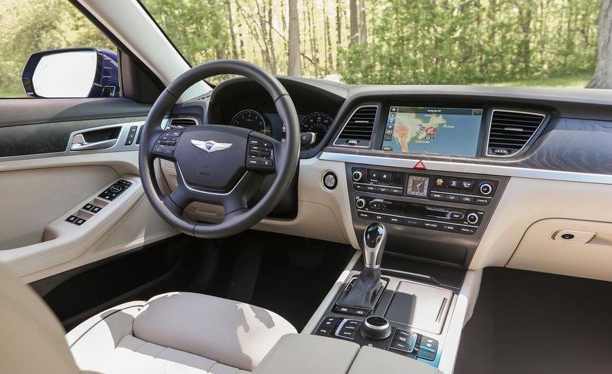 2015 Hyundai Genesis 5.0 sedan - Slide 25