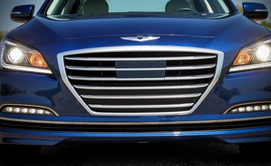 2015 Hyundai Genesis 5.0 sedan - Slide 14