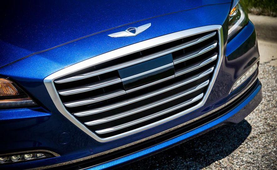 2015 Hyundai Genesis 5.0 sedan - Slide 15
