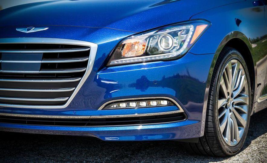 2015 Hyundai Genesis 5.0 sedan - Slide 16