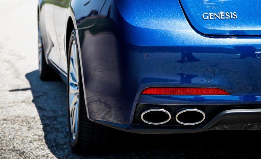 2015 Hyundai Genesis 5.0 sedan - Slide 18