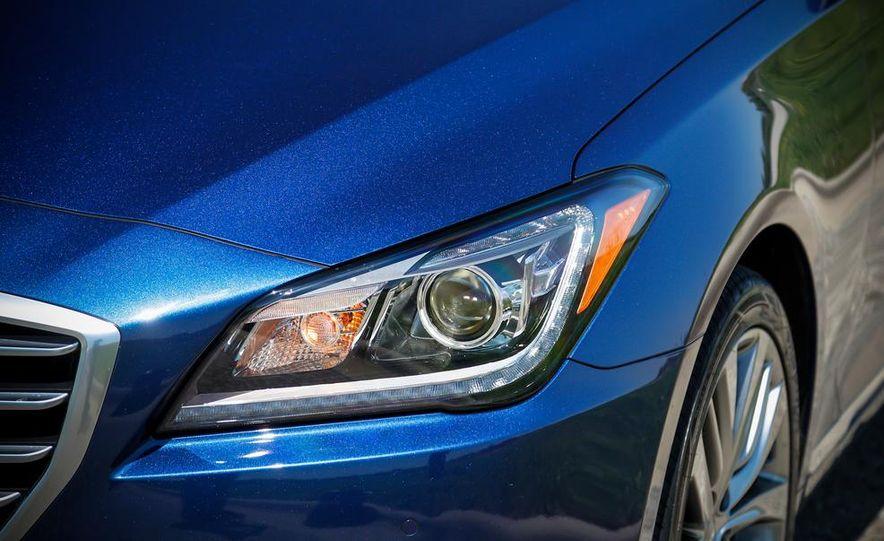 2015 Hyundai Genesis 5.0 sedan - Slide 19