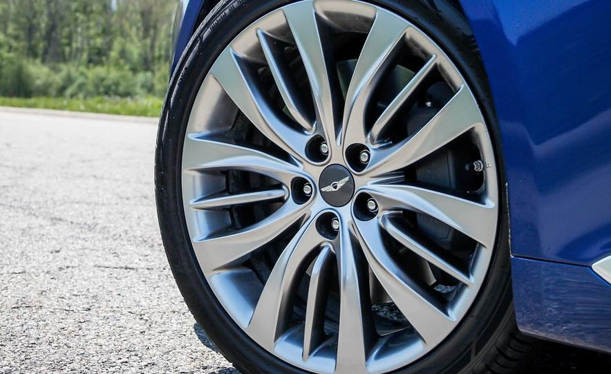 2015 Hyundai Genesis 5.0 sedan - Slide 20