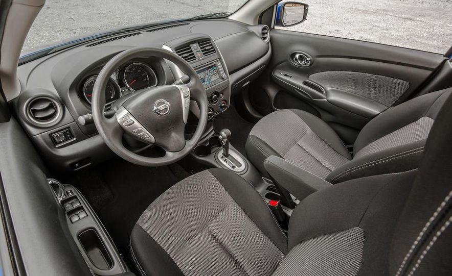 2015 Nissan Versa sedan - Slide 24
