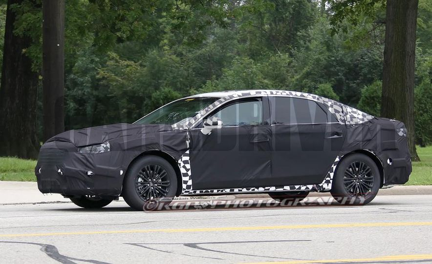 2016 Ford Fusion (spy photo) - Slide 3