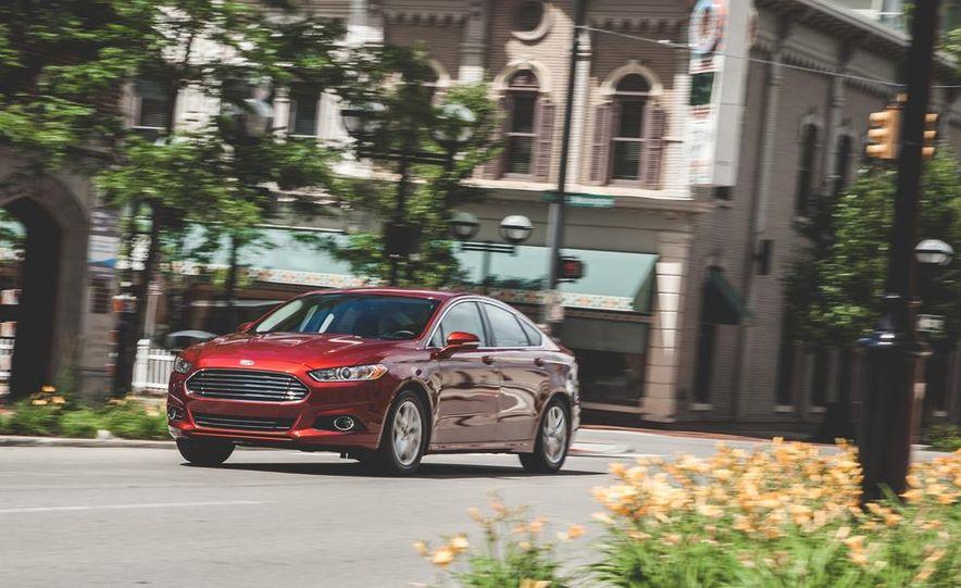 2014 Ford Fusion SE 1.5L EcoBoost - Slide 1