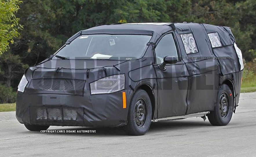 2017 Chrysler Town & Country (spy photo) - Slide 1