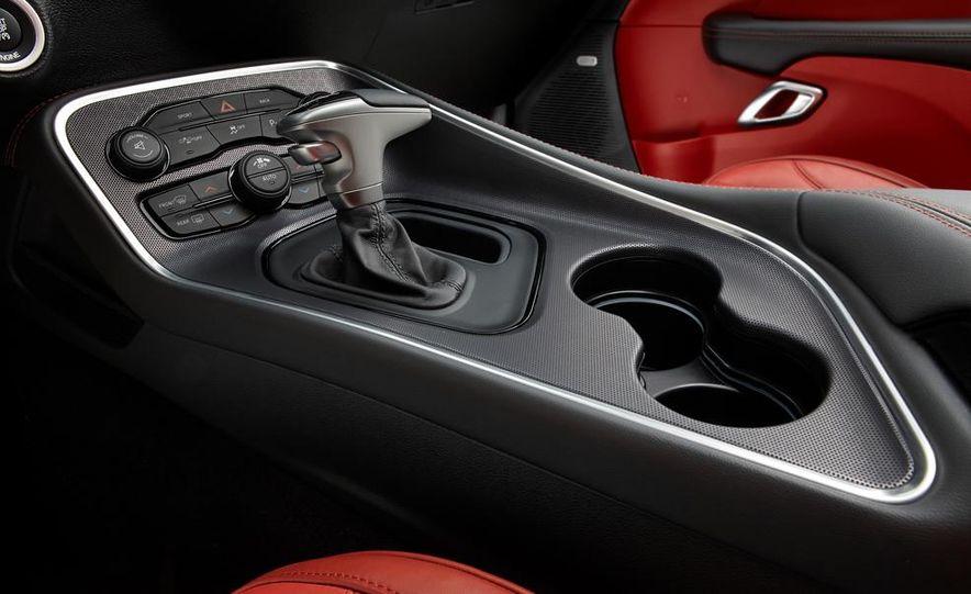 2015 Dodge Challenger SXT Plus - Slide 34