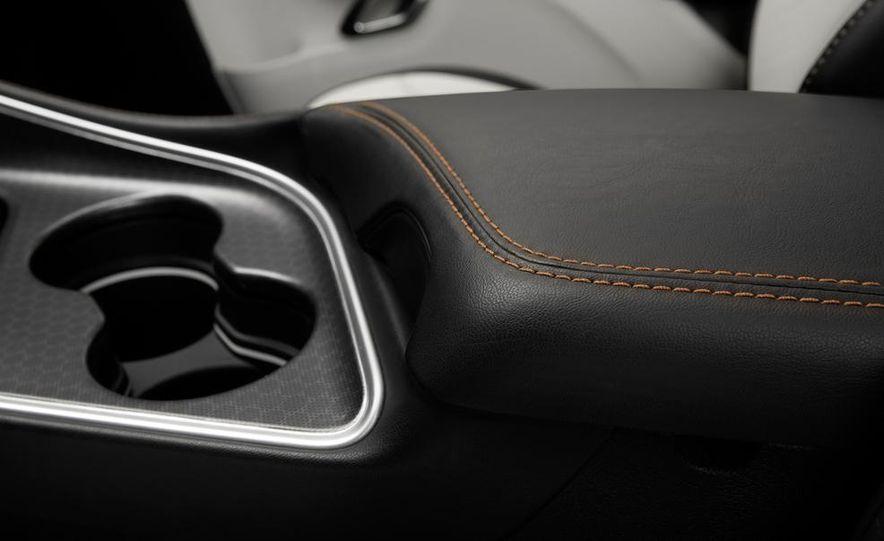 2015 Dodge Challenger SXT Plus - Slide 35