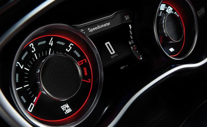 2015 Dodge Challenger SXT Plus - Slide 39