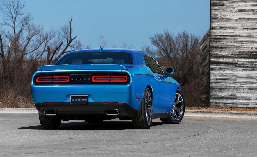 2015 Dodge Challenger SXT Plus - Slide 13
