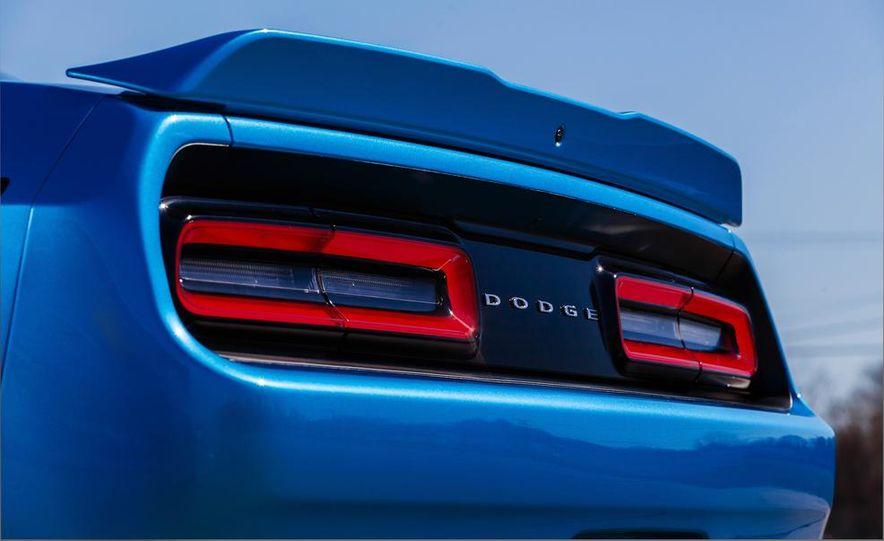 2015 Dodge Challenger SXT Plus - Slide 17