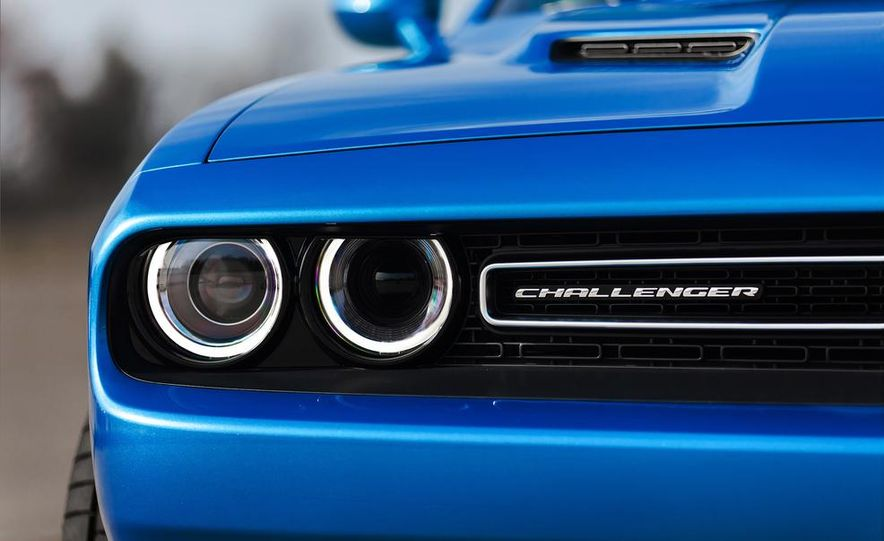 2015 Dodge Challenger SXT Plus - Slide 19