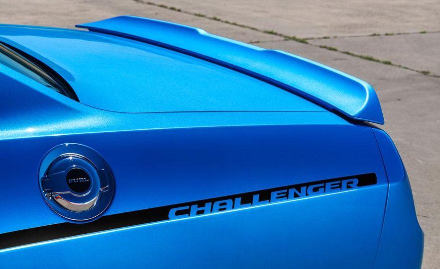 2015 Dodge Challenger SXT Plus - Slide 21