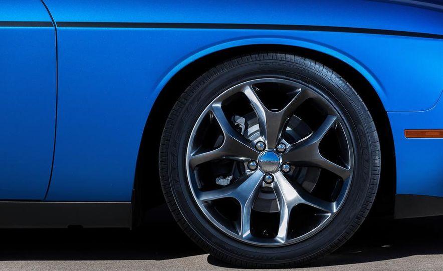 2015 Dodge Challenger SXT Plus - Slide 22