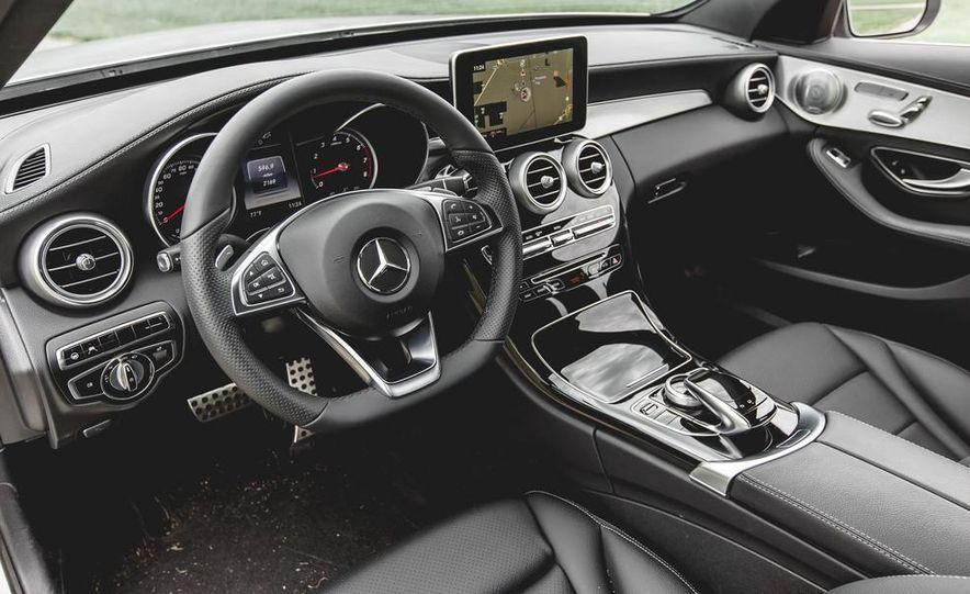 2015 Mercedes-Benz C300 4MATIC - Slide 14