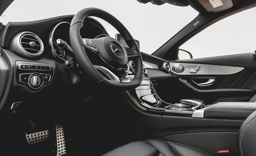 2015 Mercedes-Benz C300 4MATIC - Slide 15