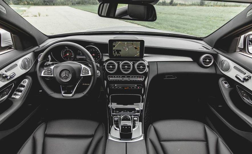 2015 Mercedes-Benz C300 4MATIC - Slide 17