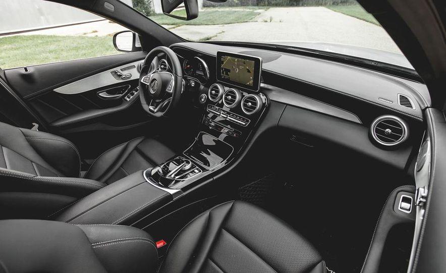 2015 Mercedes-Benz C300 4MATIC - Slide 18