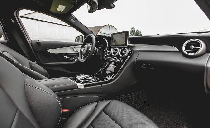 2015 Mercedes-Benz C300 4MATIC - Slide 19