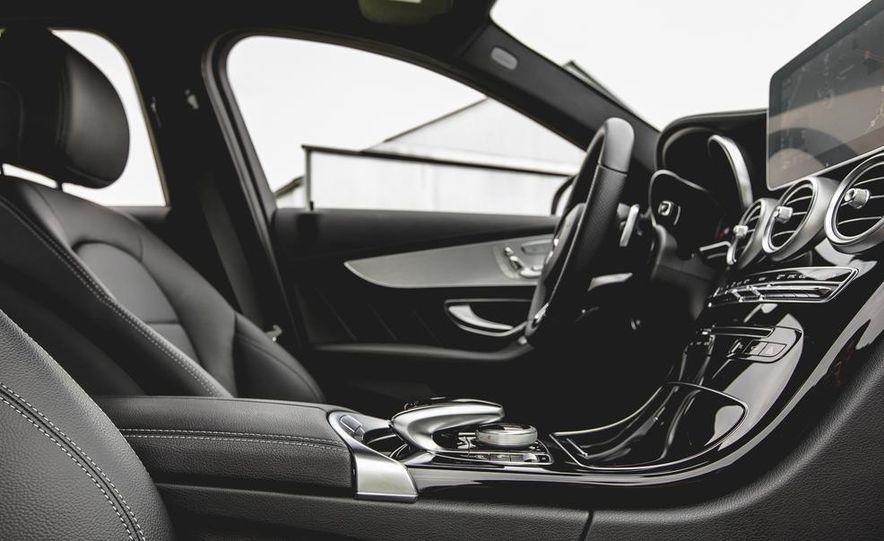 2015 Mercedes-Benz C300 4MATIC - Slide 20