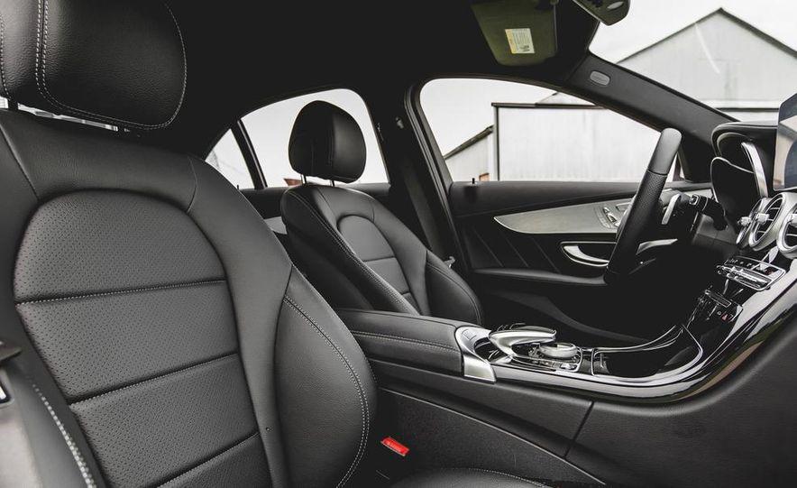 2015 Mercedes-Benz C300 4MATIC - Slide 21