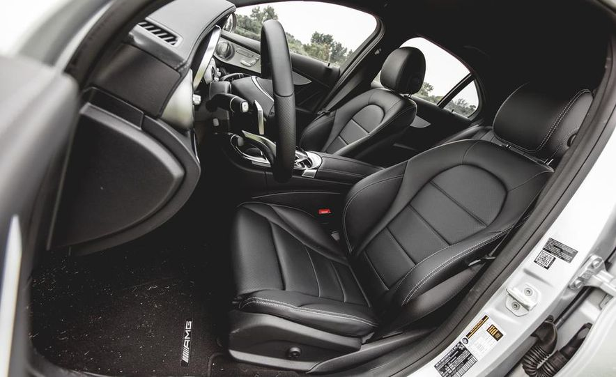 2015 Mercedes-Benz C300 4MATIC - Slide 22
