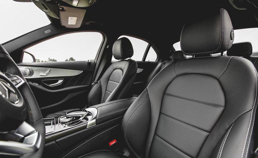 2015 Mercedes-Benz C300 4MATIC - Slide 23