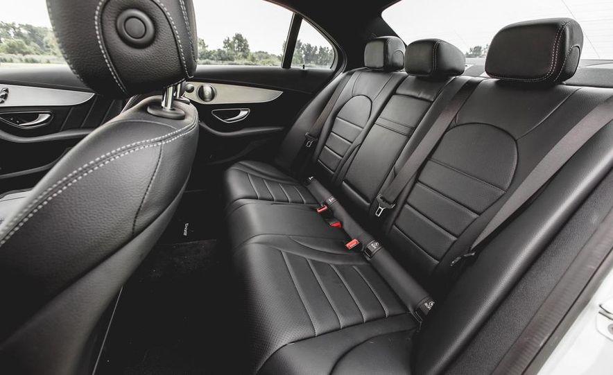 2015 Mercedes-Benz C300 4MATIC - Slide 25