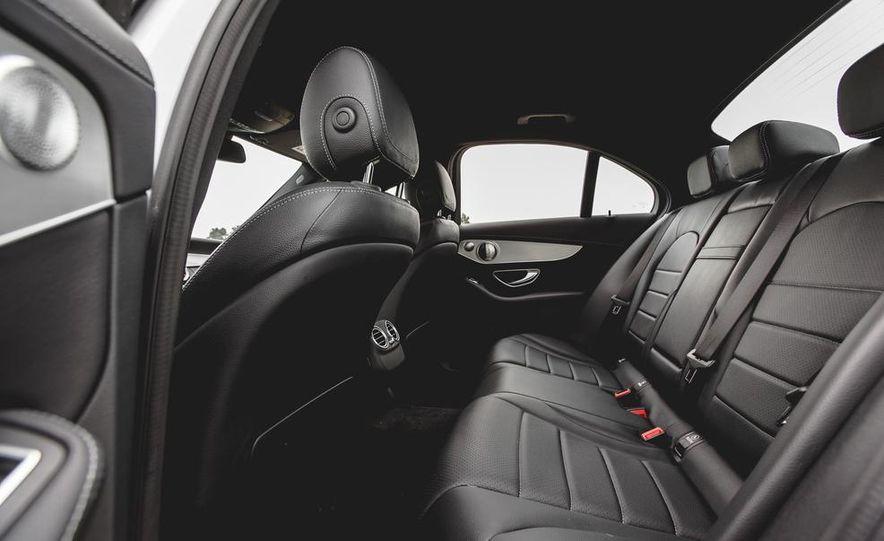 2015 Mercedes-Benz C300 4MATIC - Slide 26