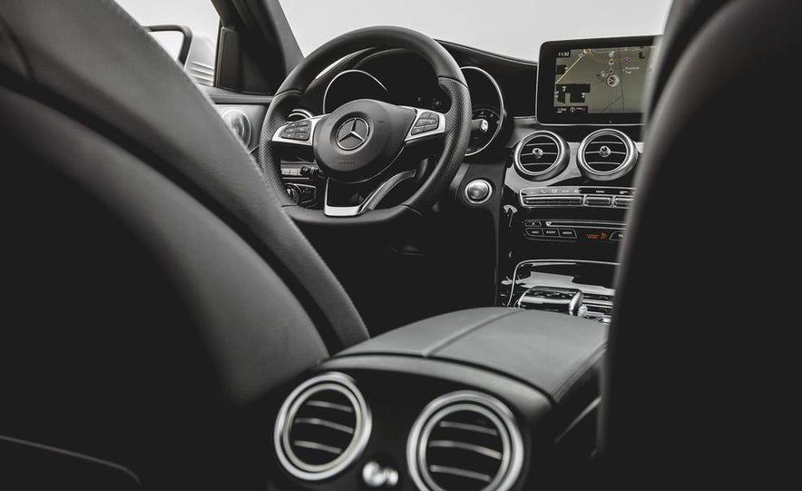 2015 Mercedes-Benz C300 4MATIC - Slide 27