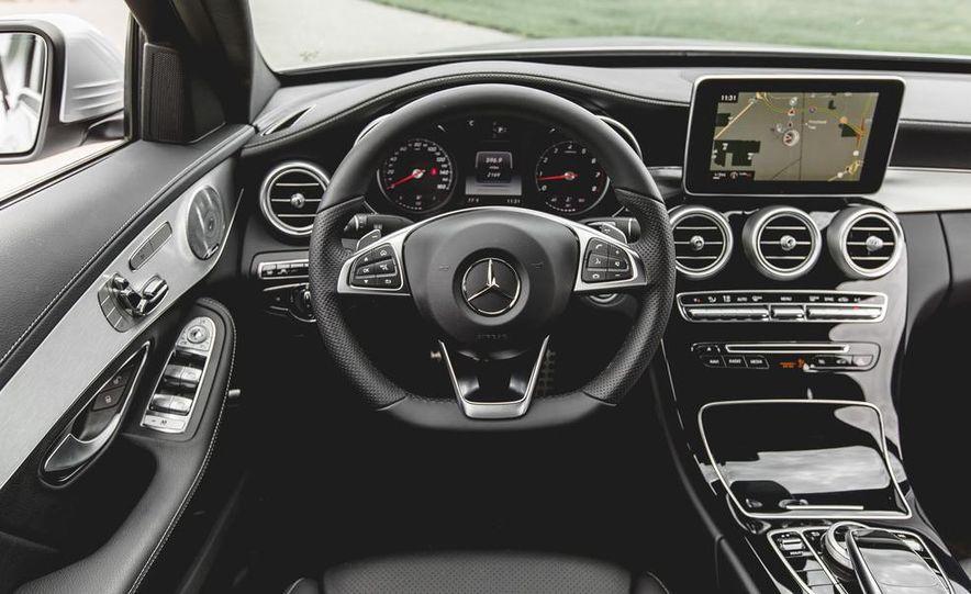 2015 Mercedes-Benz C300 4MATIC - Slide 28