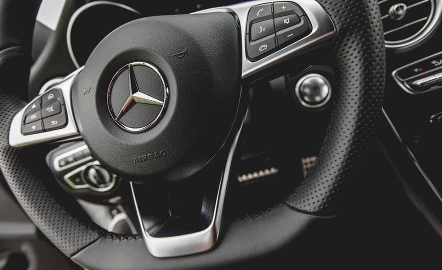 2015 Mercedes-Benz C300 4MATIC - Slide 32