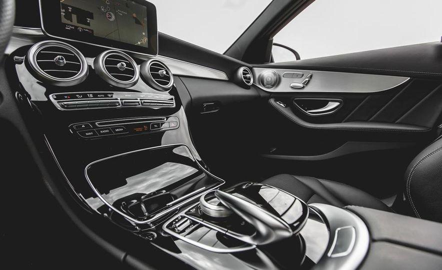 2015 Mercedes-Benz C300 4MATIC - Slide 33