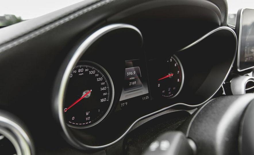 2015 Mercedes-Benz C300 4MATIC - Slide 34