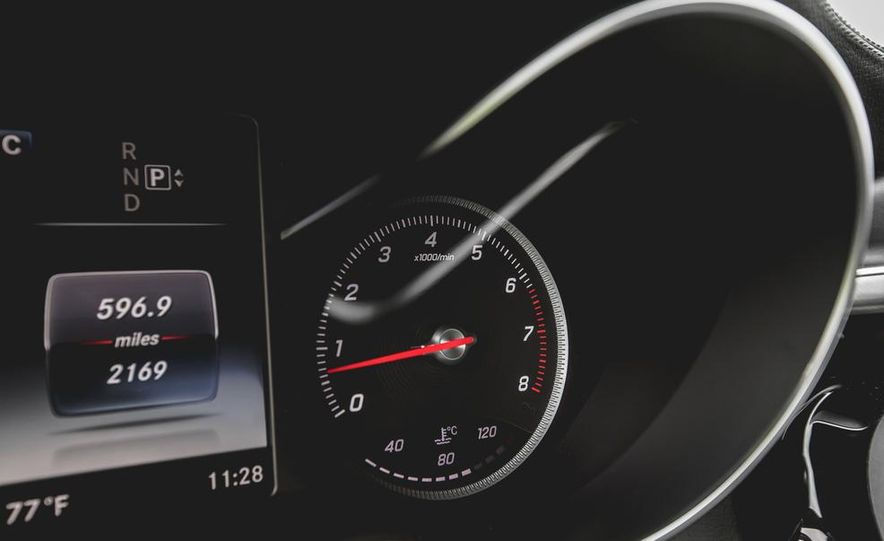 2015 Mercedes-Benz C300 4MATIC - Slide 36