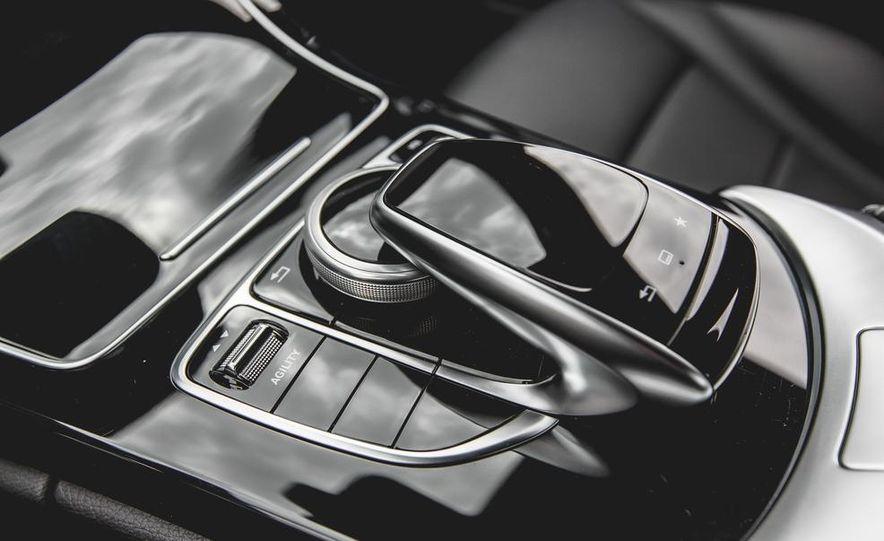 2015 Mercedes-Benz C300 4MATIC - Slide 38