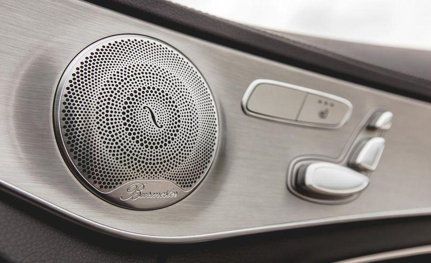 2015 Mercedes-Benz C300 4MATIC - Slide 44