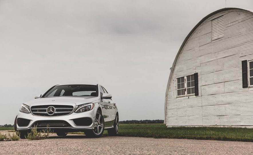 2015 Mercedes-Benz C300 4MATIC - Slide 1