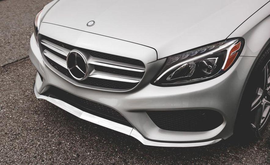 2015 Mercedes-Benz C300 4MATIC - Slide 4