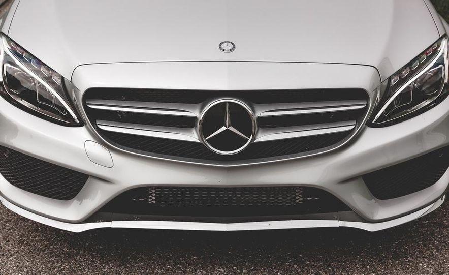 2015 Mercedes-Benz C300 4MATIC - Slide 5