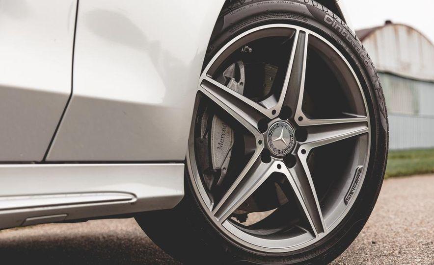 2015 Mercedes-Benz C300 4MATIC - Slide 9