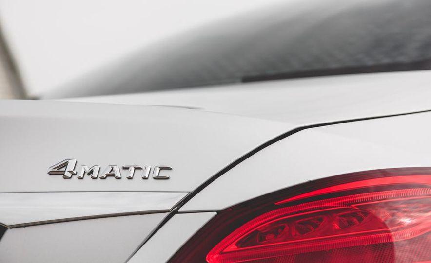 2015 Mercedes-Benz C300 4MATIC - Slide 11