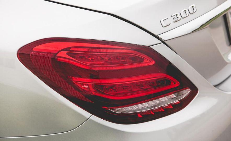 2015 Mercedes-Benz C300 4MATIC - Slide 13