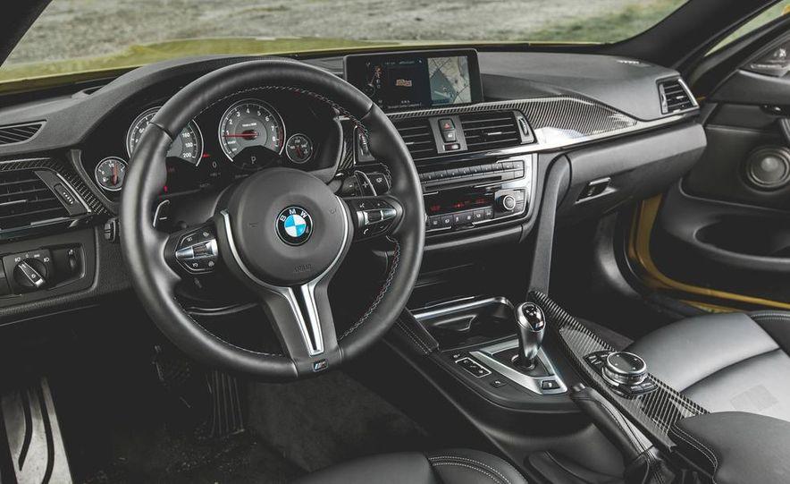 2015 BMW M4 - Slide 22