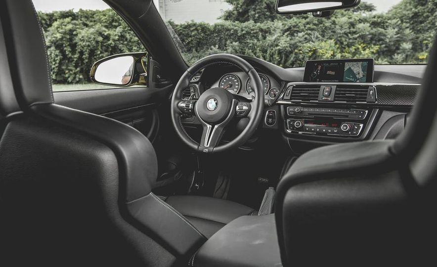 2015 BMW M4 - Slide 32
