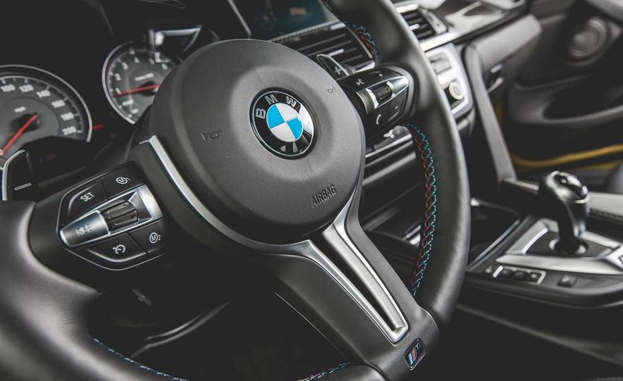 2015 BMW M4 - Slide 33