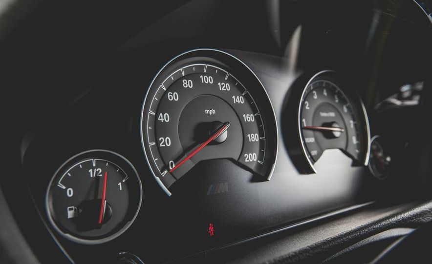 2015 BMW M4 - Slide 37