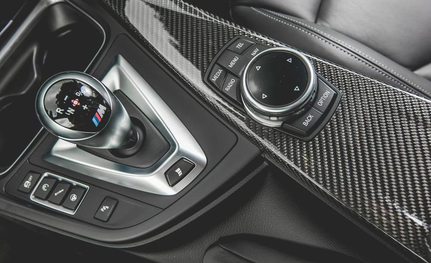 2015 BMW M4 - Slide 41